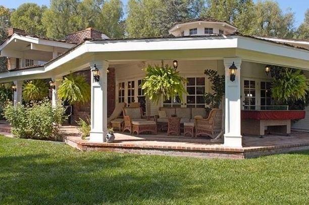 Miley Cyrus și-a schimbat casa. Vezi locuința de 5 milioane de dolari!