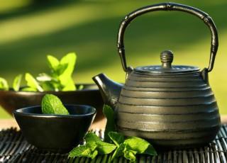 Bei ceai mult? Ai şanse mai mari să rămâi gravidă